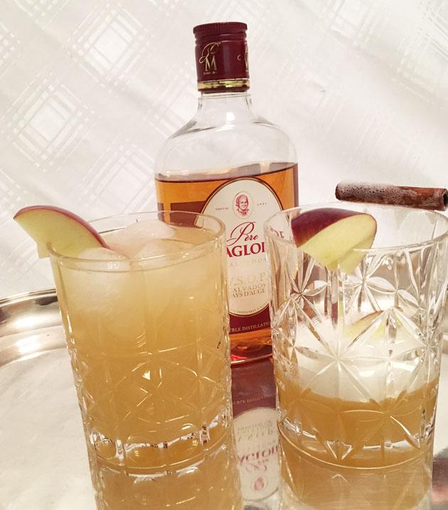 Calvados drinkki ja alkoholiton omenadrinkki