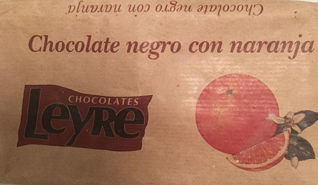 Appelsiinilla maustettu tumma suklaa