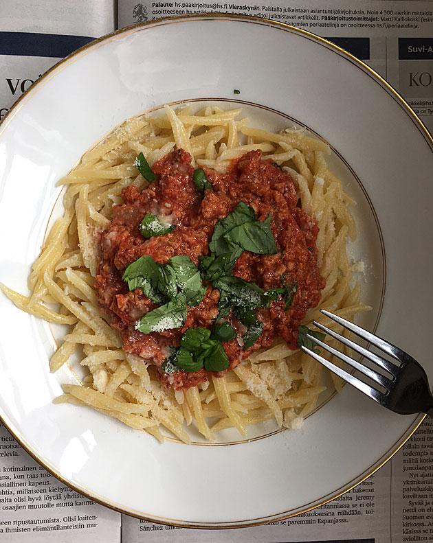 Mausteinen tomaattikastike Jonna proteiinijauhiksesta