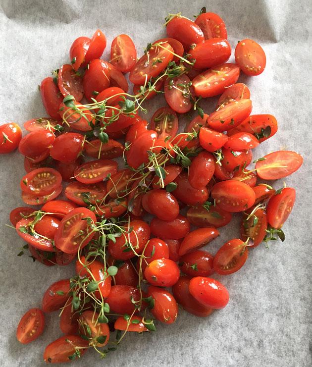 Uunissa paahdetut tomaatit onnistuvataina