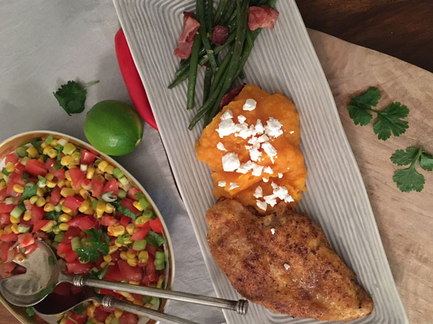 Cajun-maustettu broileri, bataattisose ja maissisalsa