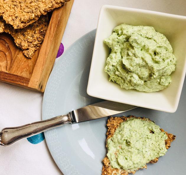 Vesikrassikreemi – dippi vihanneksille, levite leivälle, kastike kalalle taiparsalle