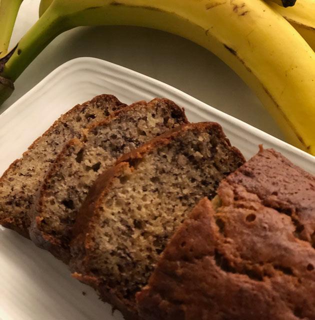 Banaanileipä eli banaanikakku – helppoaleivontaa