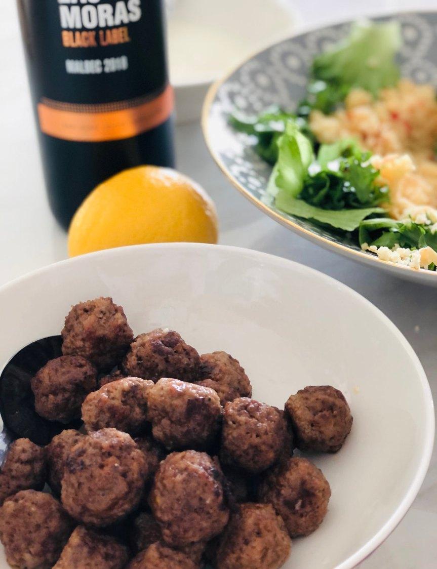 Mausteiset lihapullat ja mantelikuskus marokkolaisinmaustein